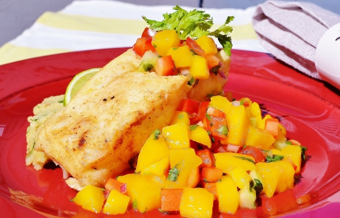 poisson salsa de mangue -fish wth mango salsa (1024x657)