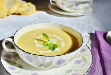 Soupe de panais et cheddar à l'anglaise - English style parsnip cheddar soup