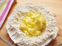 Préparation d'une pâte brisée - pâte brisée (pie crust) preparation