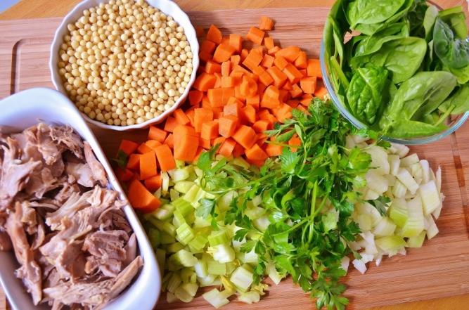 ingrédients-soupe de dinde et couscous de Jérusalem