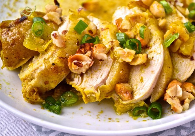 CHICKEN WITH HAZELNUTS, HONEY AND ROSE WATER