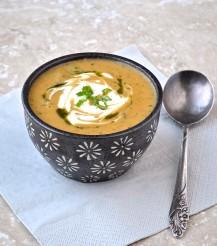 Soupe turque au boulgour, aux lentilles rouges et à la menthe