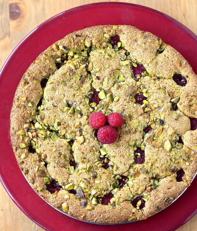 Gâteau moelleux pistache-framboise / Pistachio-raspberry moist cake