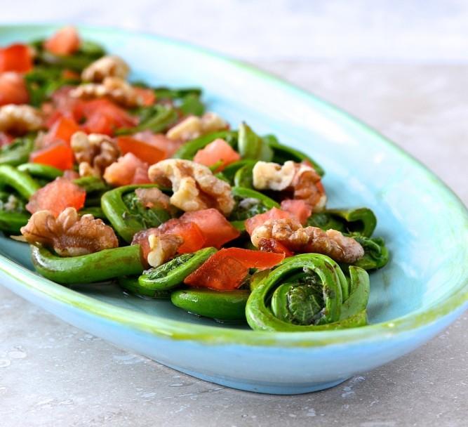 salade de têtes de violon - fiddlehead salad