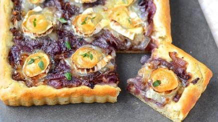 Pizza à l'oignon rouge et au chèvre- Red onion and goat cheese pizza