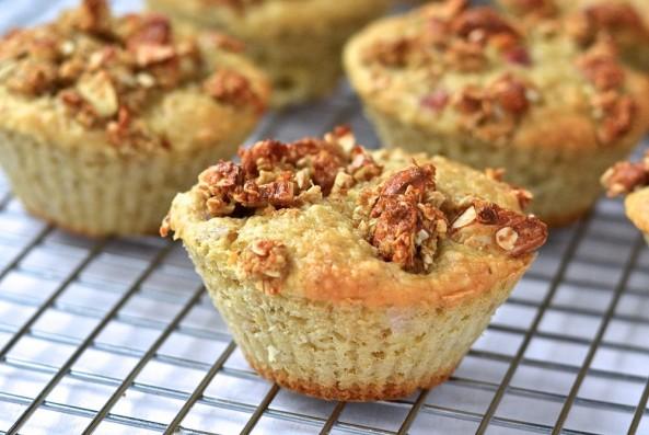 Muffins santé à la rhubarbe - Heathy rhubarb muffins