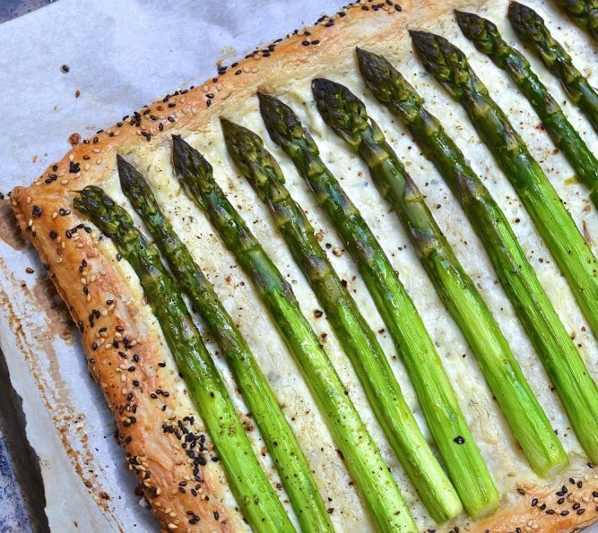 Tarte feuilleté asperge et fromage - Easy asparagus and cheese pie