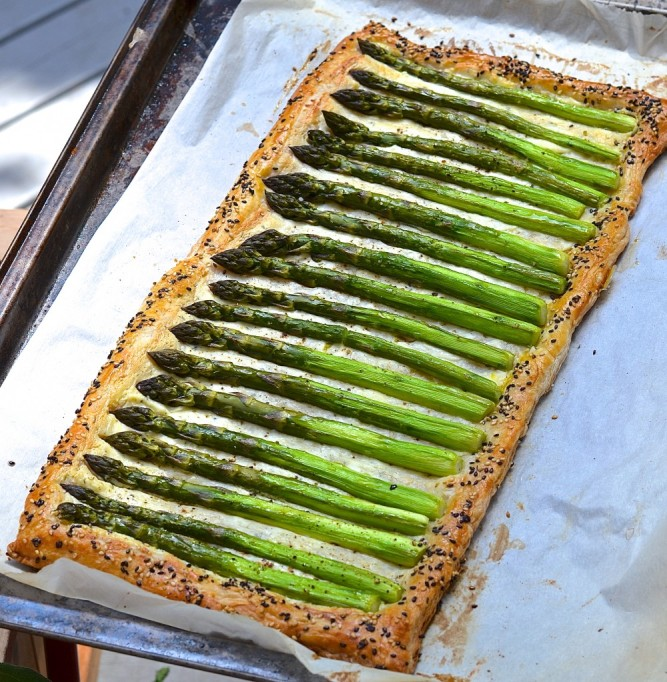 Tarte feuilletée asperge-fromage trop facile! Easy asparagus and cheese pie