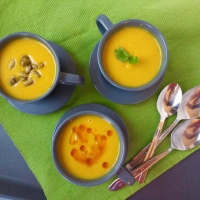 Potage de courge butternut, lentilles corail et lait de coco
